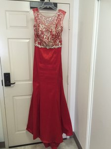 May Queen Red Formal Bridesmaid/Mob Dress Size 10 (M)