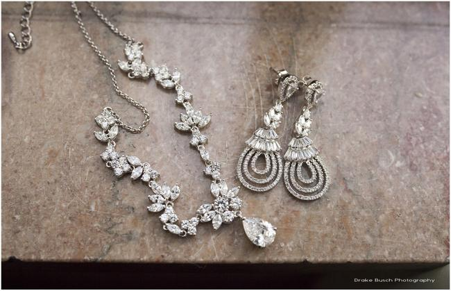 Item - Silver and White Crystals Floral Drop Necklace
