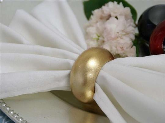 Preload https://item3.tradesy.com/images/gold-60-leaf-napkin-rings-new-packaging-reception-decoration-167192-0-0.jpg?width=440&height=440