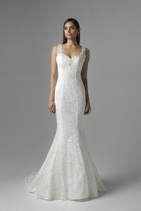 Mia Solano M1620z Wedding Dress