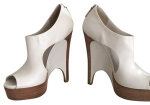 Gucci White Wedges