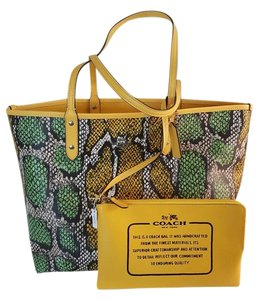Coach Satchel Shoulder 36876 Tote in Multicolor/Canary/Snake Print