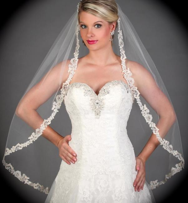 Item - Ivory Medium Romantic French Lace Bridal Veil