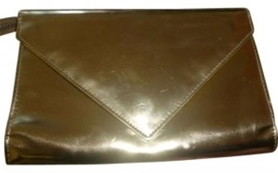 Preload https://item2.tradesy.com/images/marc-by-marc-jacobs-gold-clutch-167356-0-0.jpg?width=440&height=440