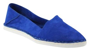 Report Signature Blue Flats