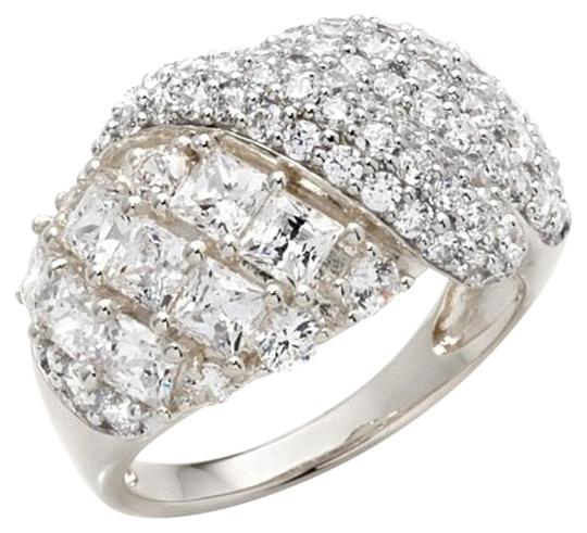 Preload https://img-static.tradesy.com/item/16740472/victoria-wieck-clear-286ct-absolute-round-and-princess-cut-swirl-size-6-ring-0-1-540-540.jpg
