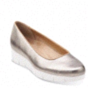 Clarks Gold/White Flats