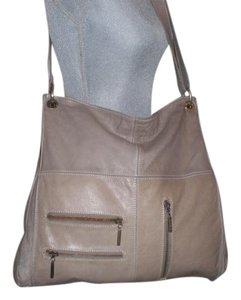 Avorio Cross Body Bag