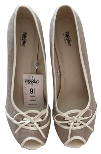 Mossimo Supply Co. Natural Pumps