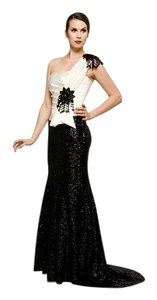 Saboroma Size 8 Evening Gown Black/Ivory Dress