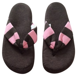 Gap Brown & Pink Sandals