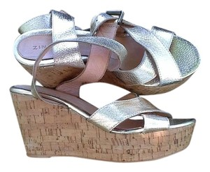 Zingara Gold Wedges