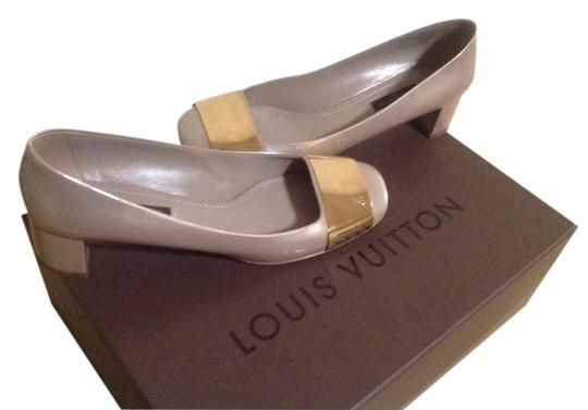 Preload https://item5.tradesy.com/images/louis-vuitton-nude-pumps-size-us-8-regular-m-b-1675099-0-0.jpg?width=440&height=440
