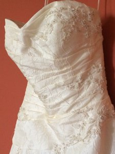 Demetrios Beautiful Demetrious Wedding Gown + Matching Veils Wedding Dress