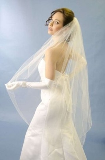 Ansonia Bridal Ivory Medium Bridal Veil