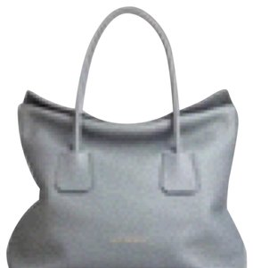 Burberry Leather Baynard Nude Tote in Gray