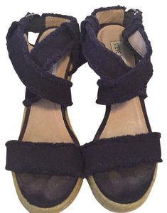 Steve Madden Navy Blue Wedges