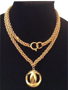 Chanel RARE VINTAGE CHANEL 18k GOLD PLATED CC ORB NECKLACE