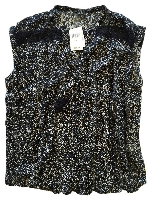 Preload https://img-static.tradesy.com/item/16758367/lucky-brand-black-and-white-floral-inset-button-down-top-size-8-m-0-1-650-650.jpg