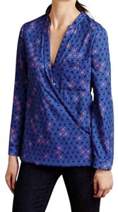 Anthropologie Long Sleeves Wrap Front Sleek Not Bulky Cool Print Super Easy Care Top NWT Blue