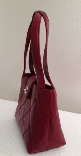 Chanel Satchel in red Maroon Image 5