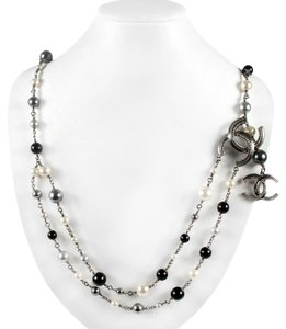 Chanel PEARL NECKLACE - 2011 - BLACK GRAY CC LOGO SILVER CHARM BELT BEADED