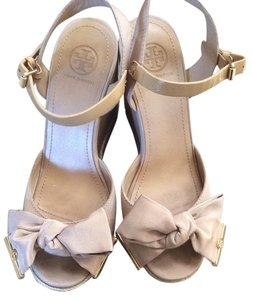 Tory Burch Beige/ taupe Wedges