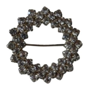 Shiekh Beautiful Round Swarovski Crystal broach