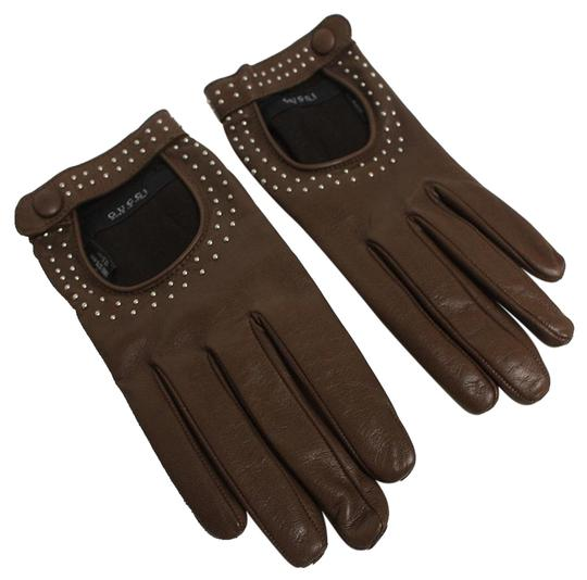 Preload https://img-static.tradesy.com/item/16761955/gucci-brown-women-s-studded-leather-riding-gloves-370649-os-0-1-540-540.jpg