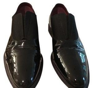 Cline black patent Flats