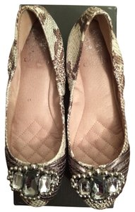 Vince Camuto Silver snake skin Flats