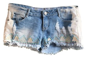 Vanilla Star Distressed Fringe Hem Frayed Embroidered Sewn Cut Off Shorts Denim