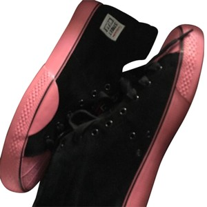 Vision Street Wear Black with Pink Athletic