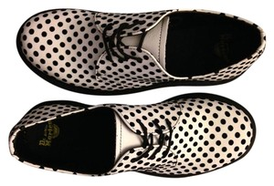 Dr. Martens Vintage 7.5 39 Doc Marten's White with black dots Flats