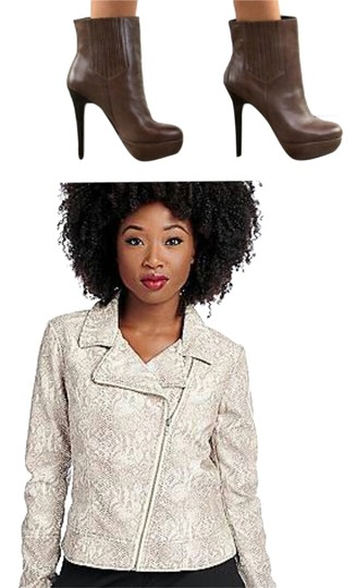 Preload https://item3.tradesy.com/images/mojo-moxy-brown-boots-1677042-0-0.jpg?width=440&height=440