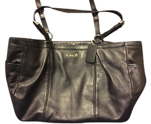 Coach Leather Smoke-free Home Tote in Black