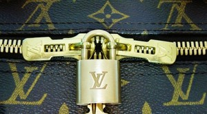 Louis Vuitton Louis Vuitton # 304 Brass Padlock and 1 key with ring