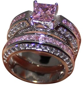 9.2.5 unique pink topaz band ring set with white topaz accents size 7