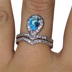 9.2.5 stunning aquamarine and white sapphire royal band ring set size 8