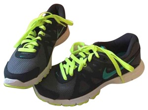 Nike Gray and Neon green Athletic