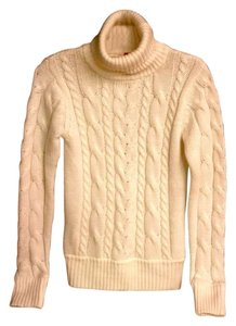 H&M Flattering Turtleneck Cozy Cuddly Winter Cold Windy Hot Chocolate Coffeehouse H And M Sweater