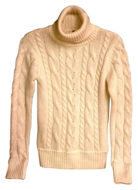 Preload https://img-static.tradesy.com/item/167729/h-and-m-cream-sweaterpullover-size-8-m-0-0-650-650.jpg