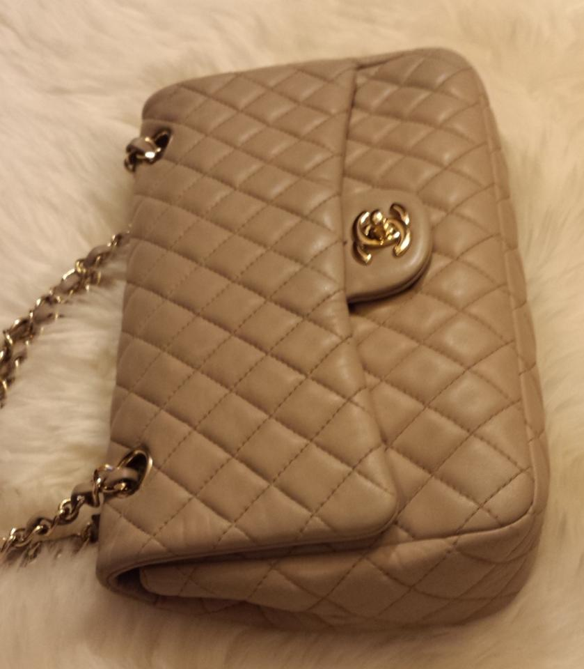 b94685135b1ee4 Chanel Medium 2.55 Classic Flap Lambskin Leather Shoulder Bag Image 11.  123456789101112