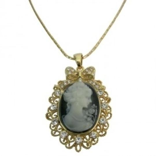 Brown Golden Framed Cameo Pendant Necklace Victorian Cameo Lady Pendant Jewelry Set