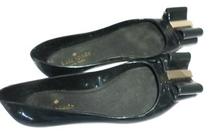 603bcefe1f83 Kate Spade Black Patent Leather   Suede Bow Low Heel Pumps Size US 9 ...