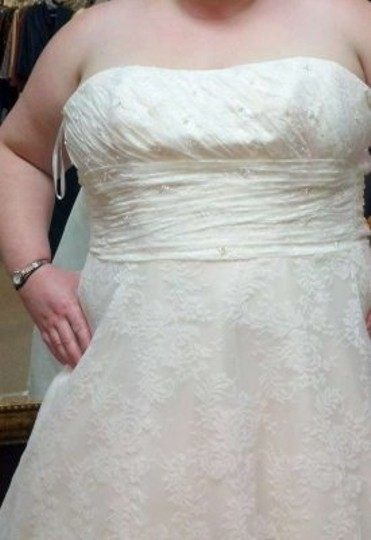 Mori Lee Ivory/ Cream Lace Reduced Wedding Dress Size 16 (XL, Plus 0x)