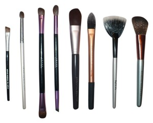 Real Techniques Makeup Brushes + Brush Roll