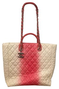 Chanel Tote in salmon/ivory