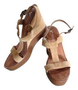 American Eagle Outfitters Tan Wedges