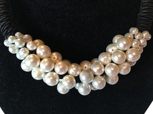 Other Pearl and Black necklace